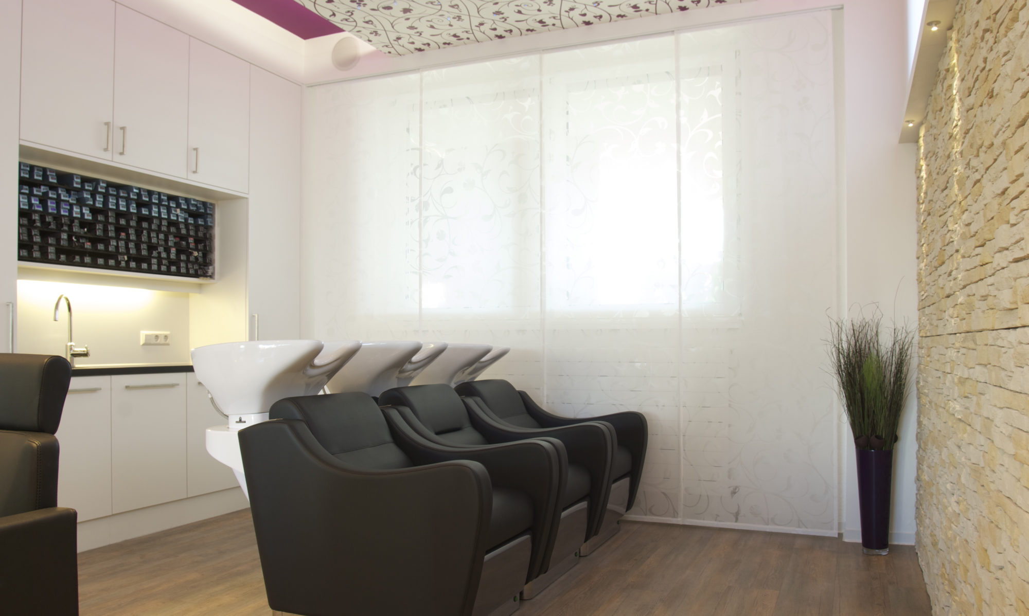 Salon Erhardt Tel.07323.7228